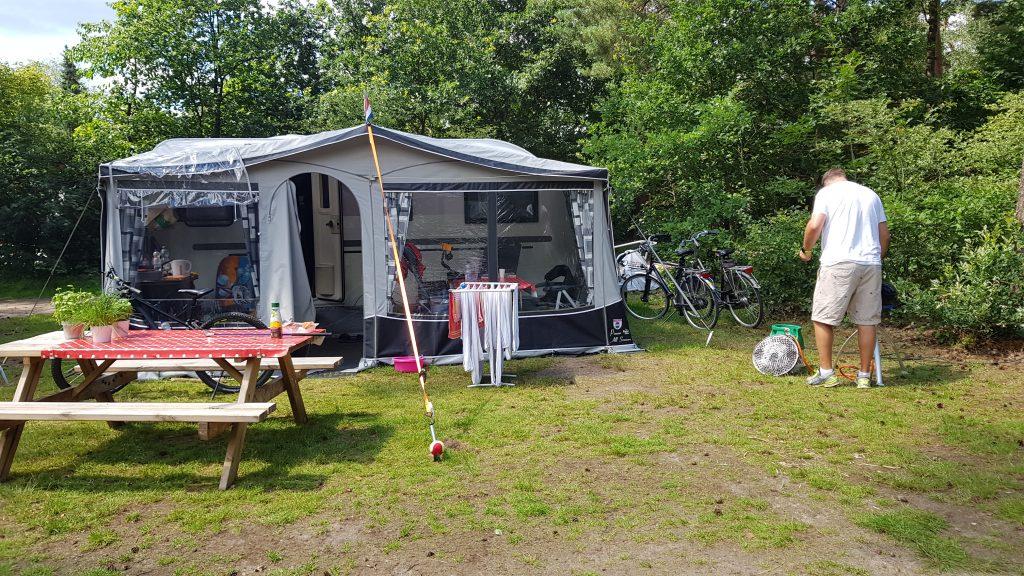 Kamperen en BBQ op camping De Krakeling in Zeist